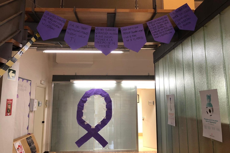 El CAS de Sants reivindica el 25N, Dia contra la Violència Masclista, amb dones usuàries del servei