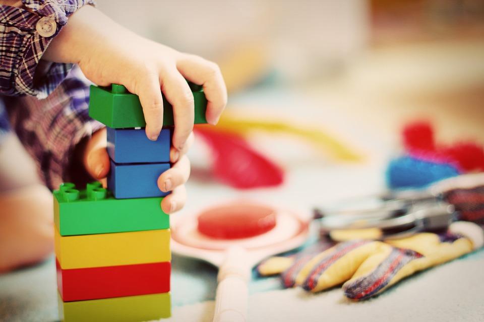 Apúntate al nuevo curso de voluntariado de ABD en Madrid, sobre acompañamiento a la primera infancia