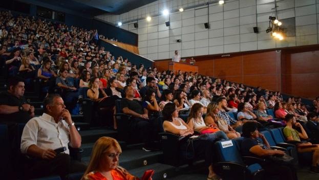 Más de 1.100 inscritos en la clase magistral sobre reducción de daños de Josep Rovira, director del Área de Drogas de ABD, en Argentina