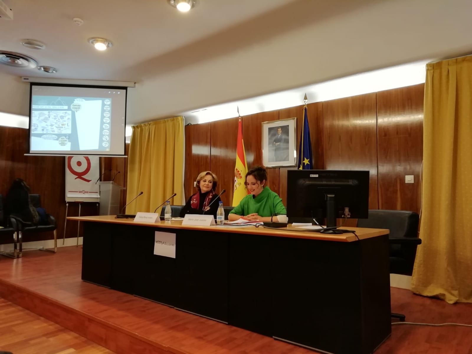 La presidenta de ABD y vicepresidenta de la UNAD, Felisa Pérez, interviene en la jornada 'Las adicciones antes los ODS: metas y retos»