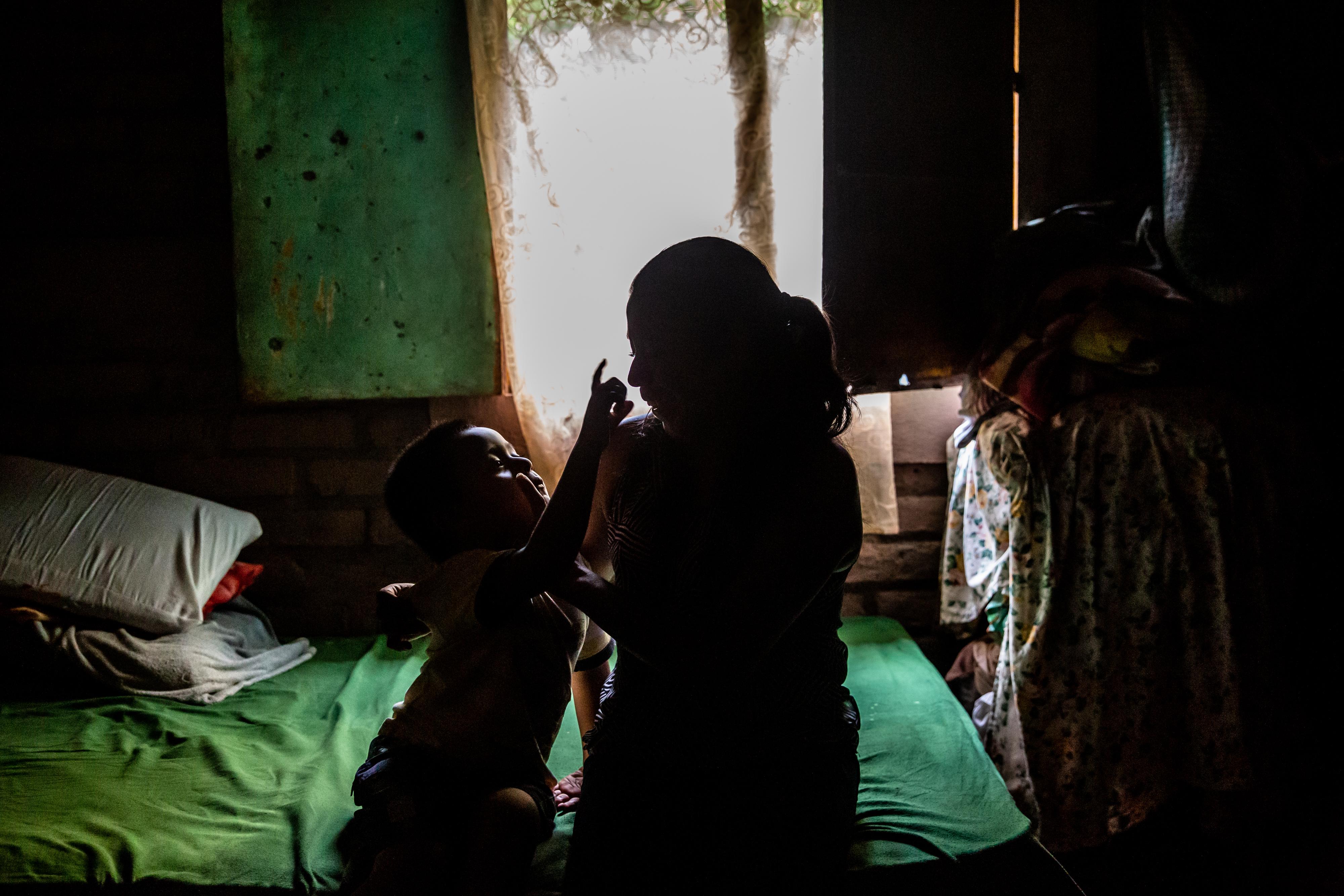 Comença el rodatge del documental 'La vida després', un treball impulsat per la Fundació ABD que retrata la vida de tres dones empresonades a El Salvador per haver patit parts extrahospitalaris