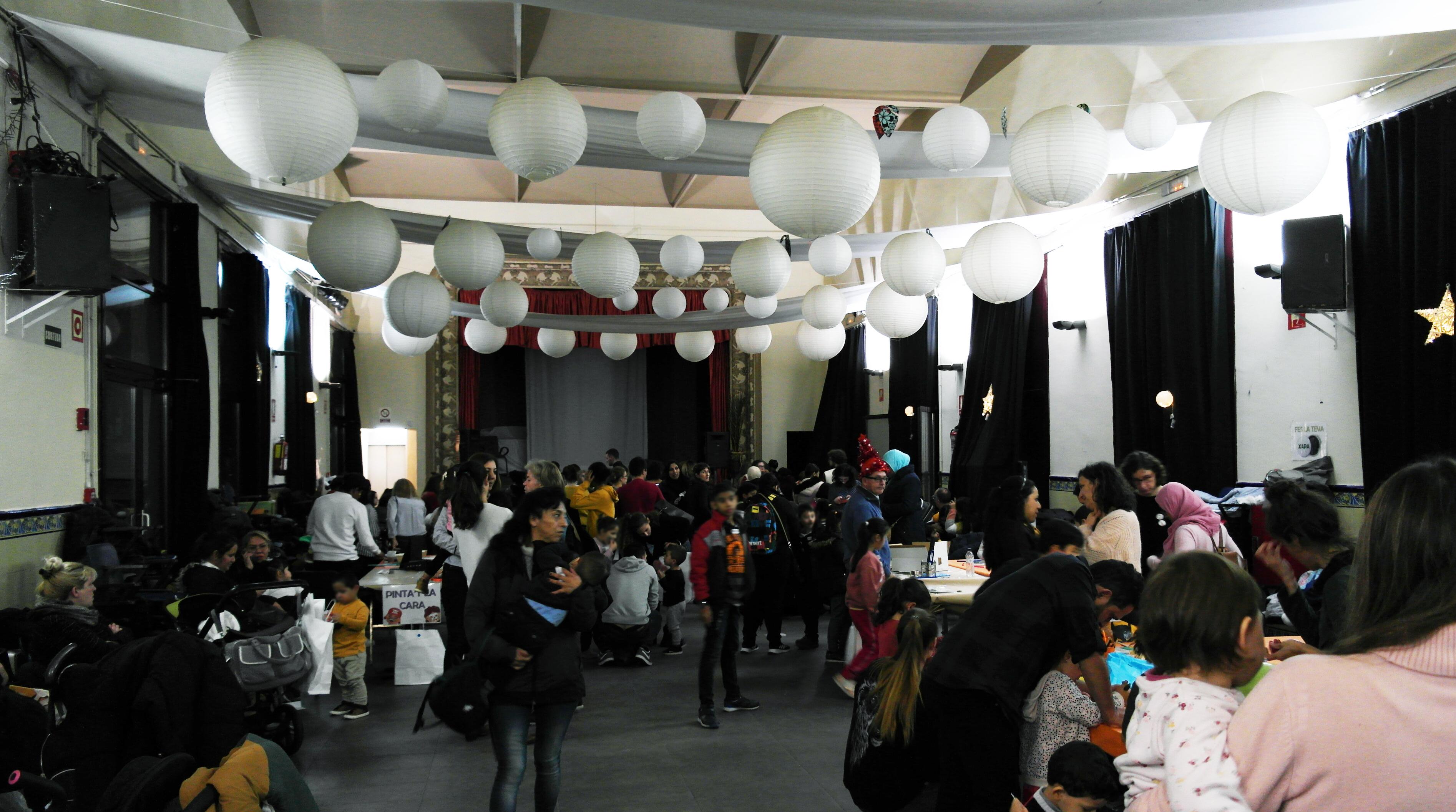 ABD celebra la fiesta de Navidad con diversas actividades y un 'tió' para los niños y niñas vinculados a la entidad